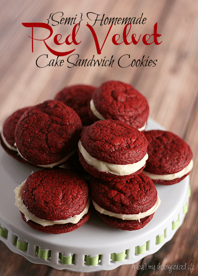 {Semi} Homemade Red Velvet Cake Sandwich Cookies - {i love} my disorganized life #cookiereicpes #cake