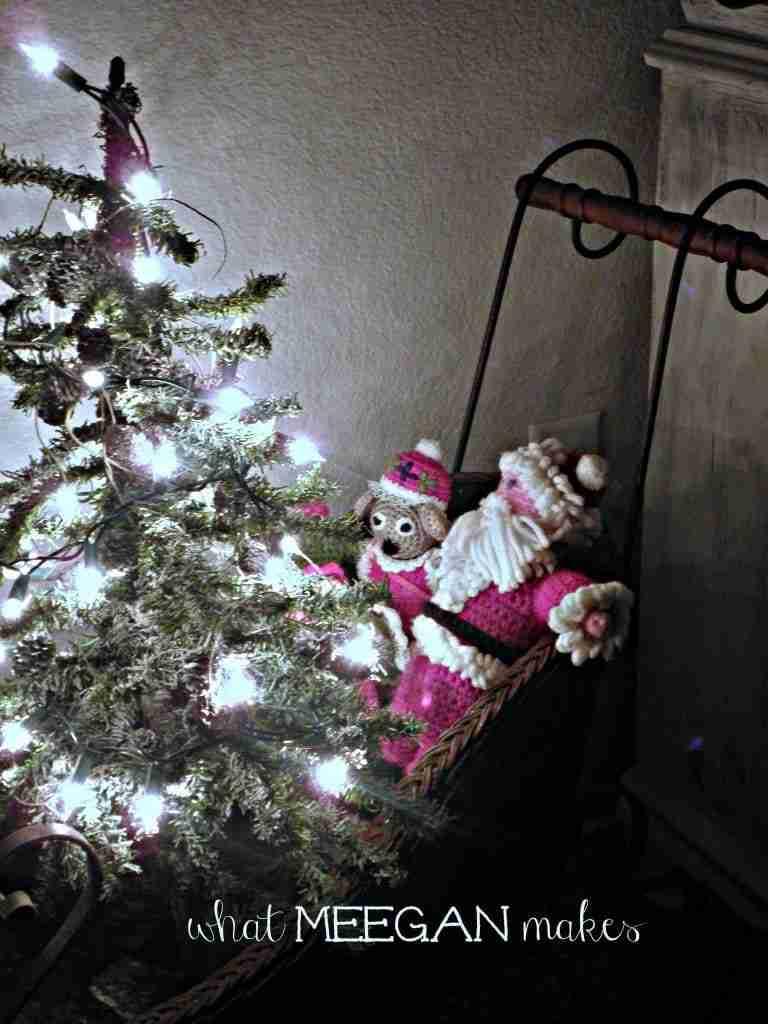 Pine Cone Garland - 25 Days of Christmas