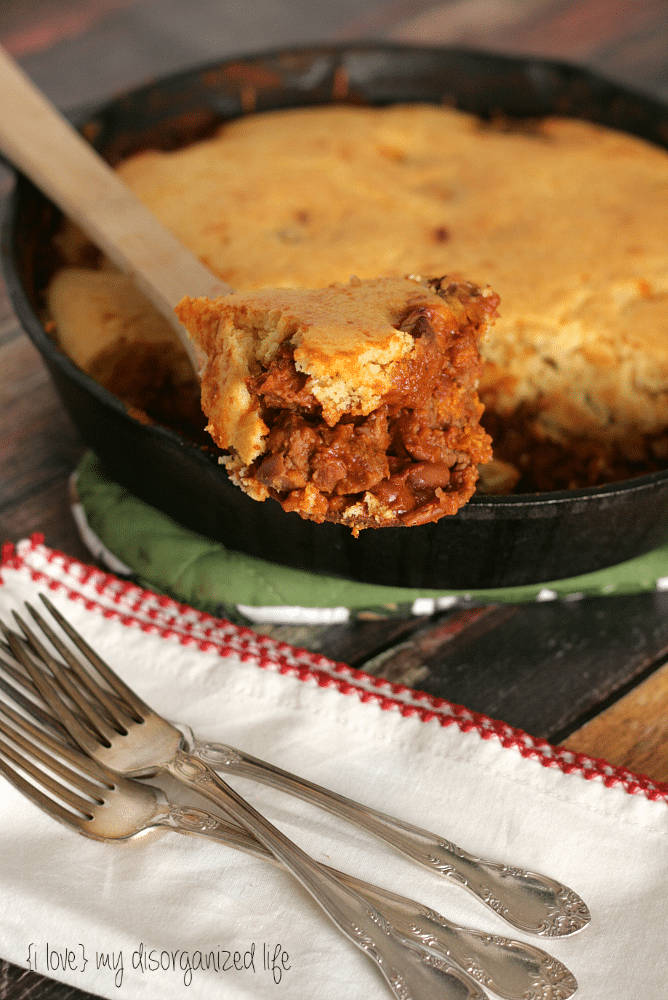 Chili & Cornbread Casserole from {i love} my disorganized life