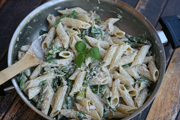 Chicken-penne-asparagus-cream-sauce-i-love-my-disorgnized-life