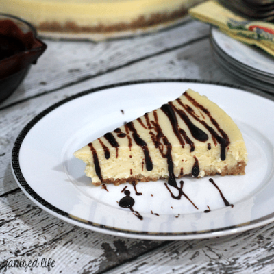 Vanilla Bean Mascarpone Cheesecake