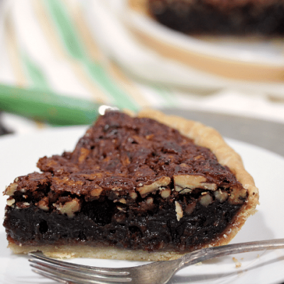 Easy Chocolate Pecan Pie