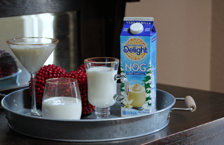 Easy Cinnamon Vanilla Egg Nog Cocktail | {i love} my disorganized life