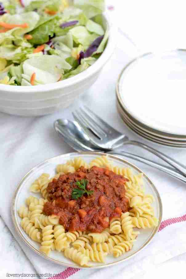 Every mom needs aneasy pasta recipe for those busy back to school days, and this is it. You can have this nutritious meal on the table in just 30 minutes.