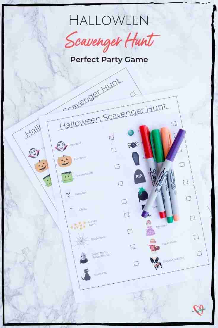 This fun Halloween scavenger hunt is perfect for families or friends to do together. Compete in teams for more fun and give the winners a prize. #scavengerhunt #halloweengame #halloweenfun #halloween